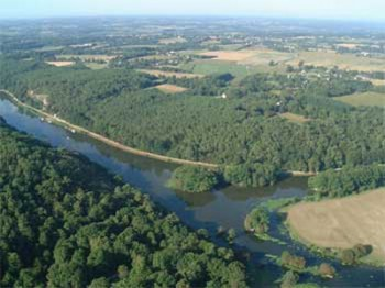 Vue aérienne de la vallée de l'oust
