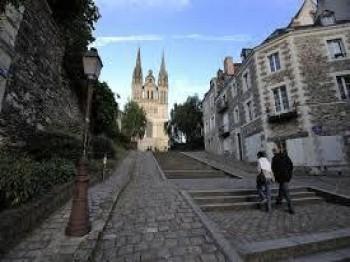 Montée Saint-Maurice